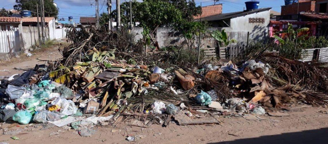 Lixo-em-Tamoios-Cabo-Frio